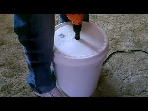 "Human Powered ""Washing Machine"" DIY - The ""5 gallon bucket"" clothes washer"