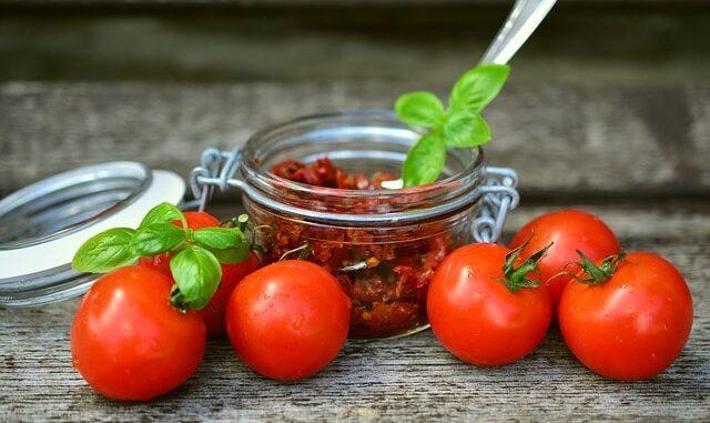 tomatoes 2500784 640 1