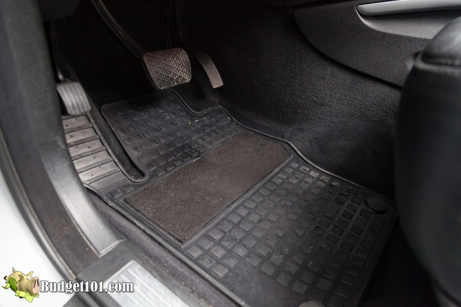 b101-vehicle-floormat-cleaner-2-after