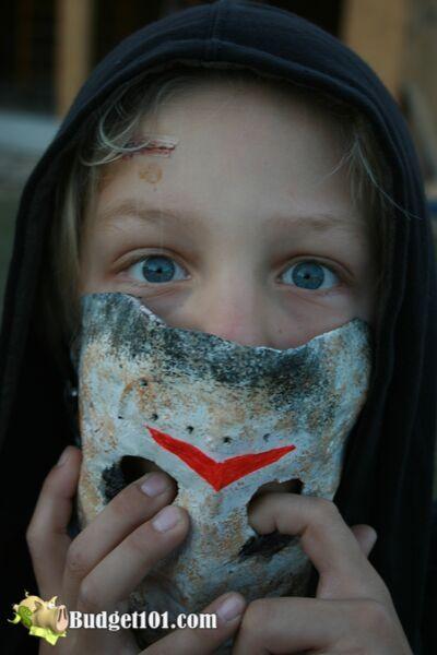 b101-halloween-jason-mask-7