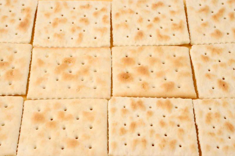 make-your-own-saltine-crackers