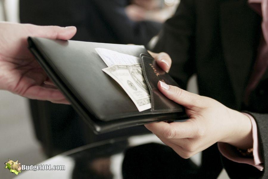 b101-money-etiquette-split-check
