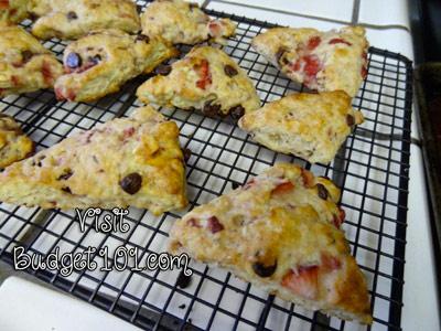 5ca00f94970b5 strawberry chocolate chip scones