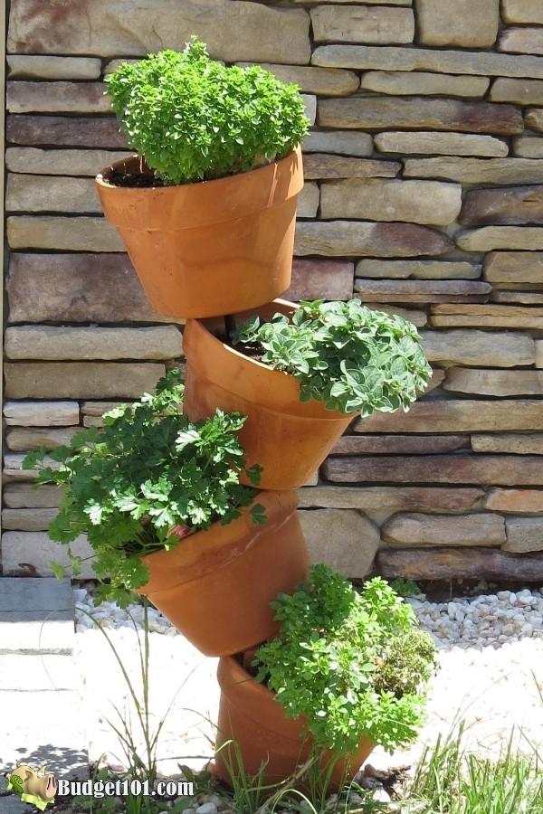 b101-tipsy-pot-herb-garden