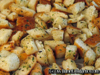 5ca00ef8bc0fa how to make croutons