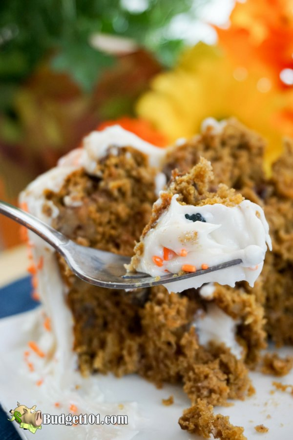 pumpkin-raisin-spice-cake-with-cream-cheese-frosting