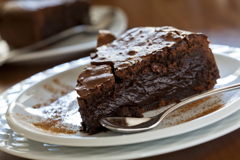 omg-ooey-gooey-fudge-cake