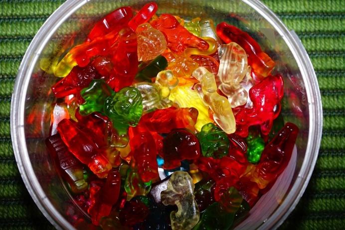 homemade-gummy-bear-candies