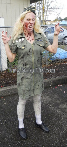 zombie-army-pinup-girl