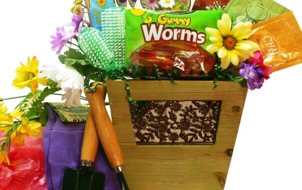 gift basket for the gardener 2