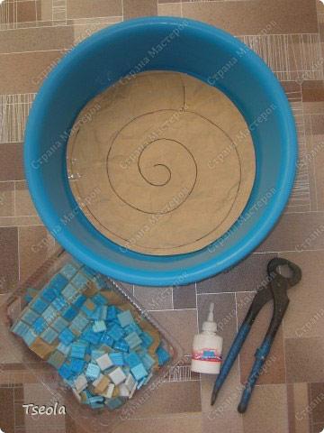 5ca007b9a5923 diy mosaic garden stones