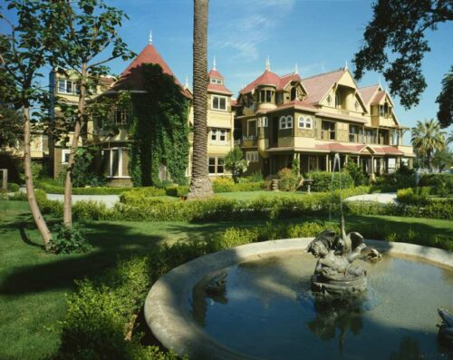 5ca007178a15d 5 real haunted houses to visit