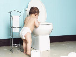 b101-kid-clogs-toilet