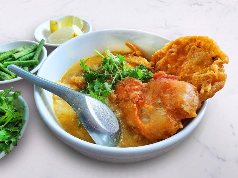 Mohinga Burmese Soup