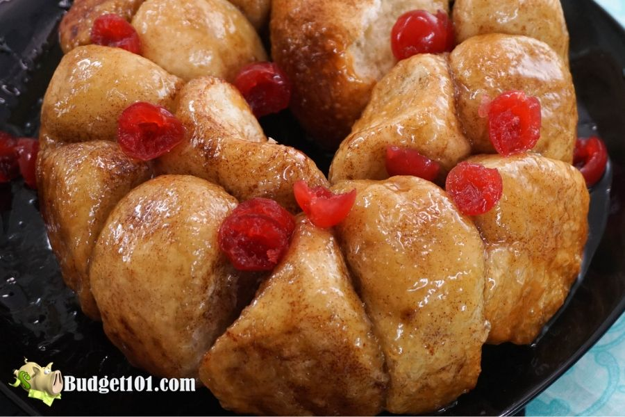 b101-Cinnamon-Roll-Monkey-Bread-3