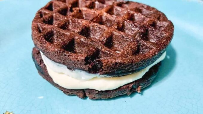 b101 keto oreo waffle sandwich