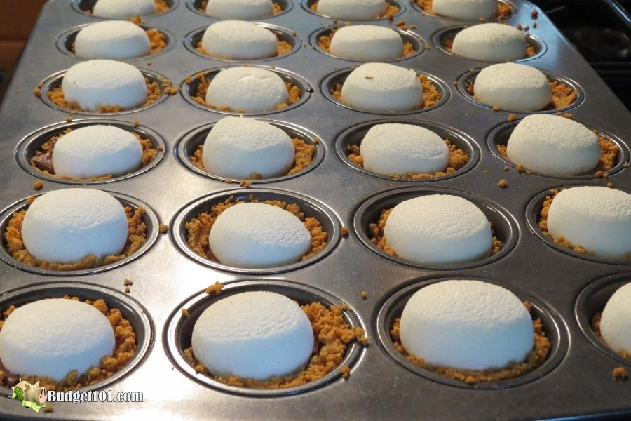 B101-smores-cookie-cups-marshmallows