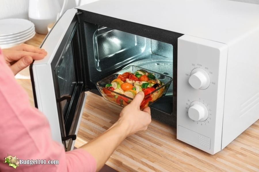 Microwave Cooking Help from Budget101.com