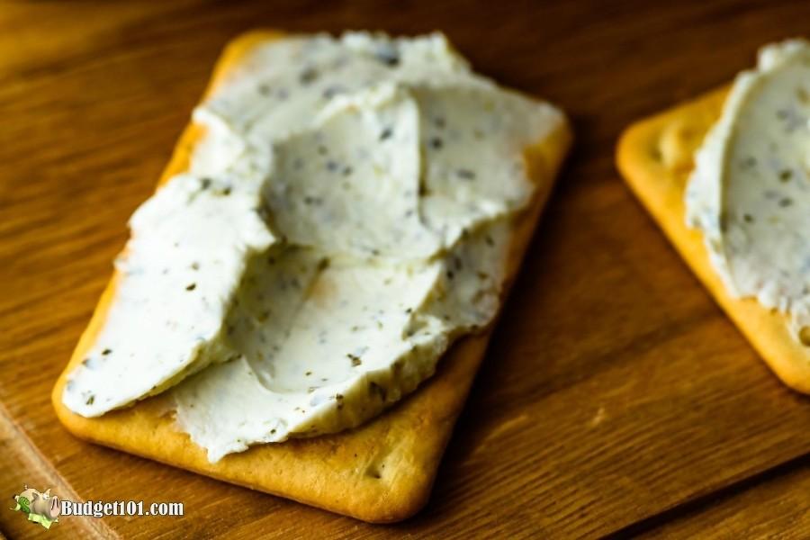 B101-myo-rondele-garlic-cheese-spread