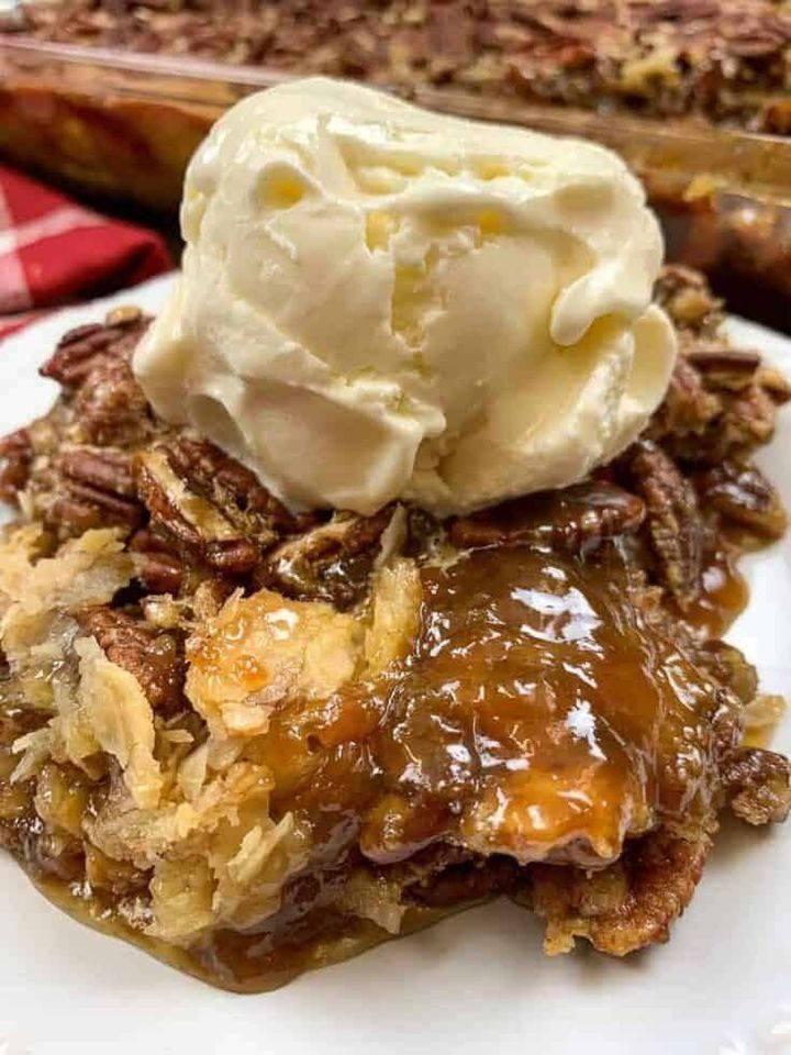 pecan pie cobbler dessert