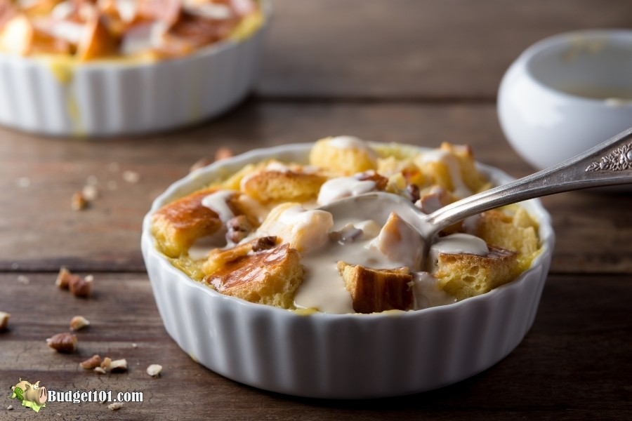 new orleans bread pudding whiskey sauce