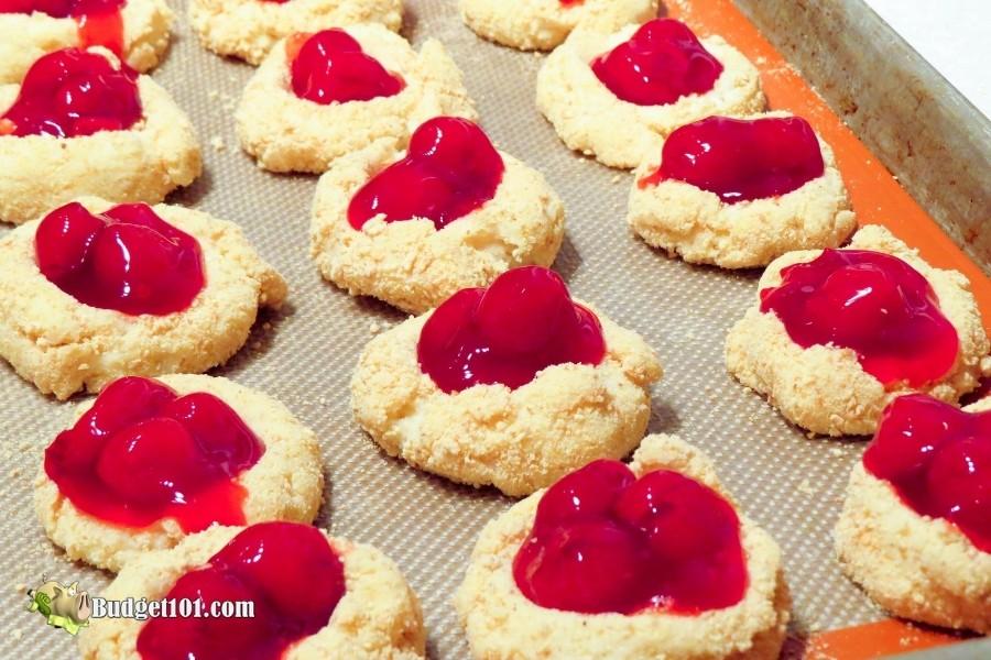 add cherries to cokkies