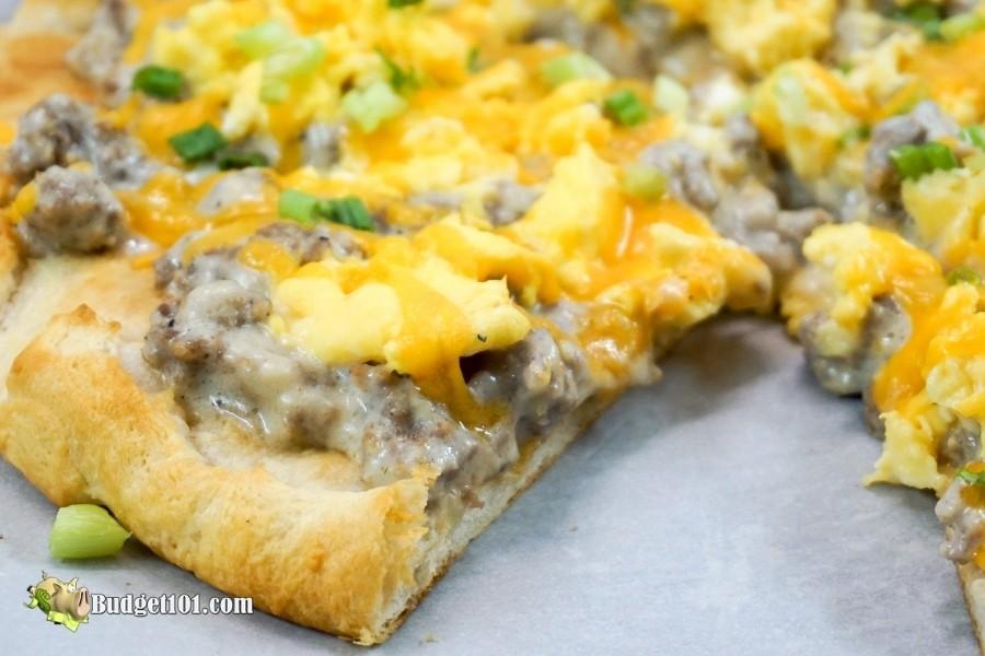 sausage gravy breakfast pizza budget101
