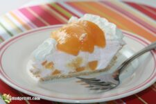 slice peaches n cream pie budget101