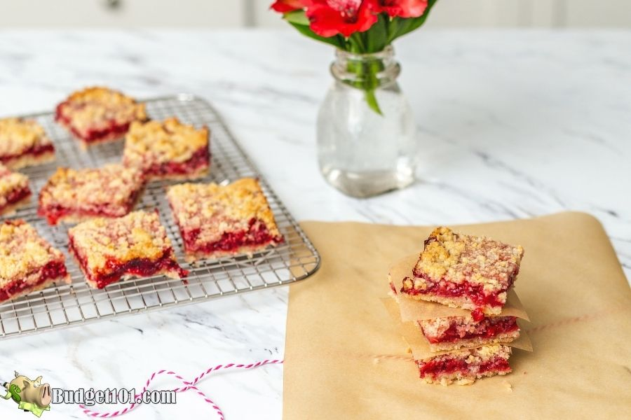 strawberry oat crumb bars